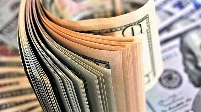 What Are the Advantages of Financial Investments?